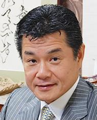 株式会社KMC 小林整骨院グループ 代表取締役兼総院長 小林英健